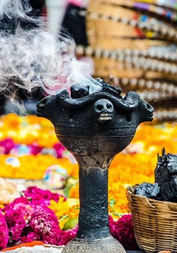 Día de Muertos - El copal y el incienso