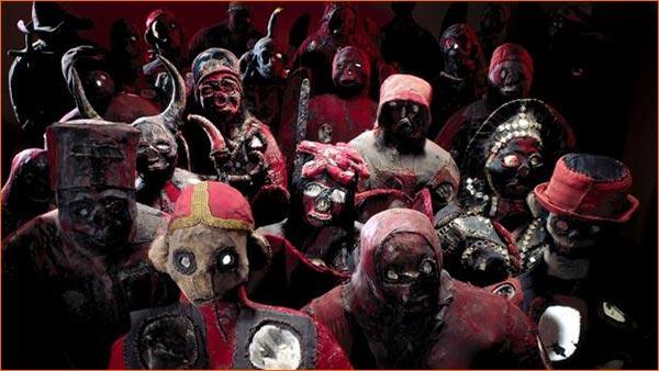 """SÍ: LOS ZOMBIS EXISTEN. """"TIERRA DE ZOMBIS""""  Zombi se refiere a que una persona mediante rituales de sacerdotes vudú"""